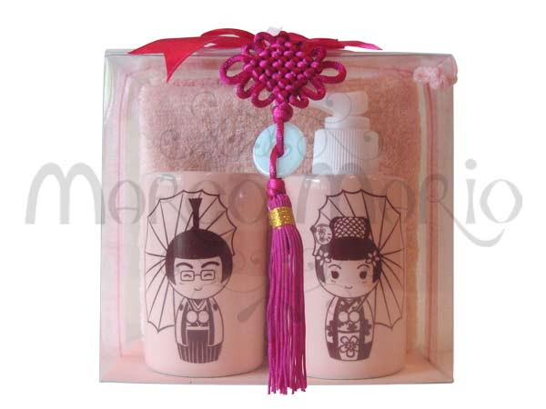Wedding Gift Ideas For Japanese : Japanese Wedding Toiletries Kit,marco mario souvenir, wedding ...