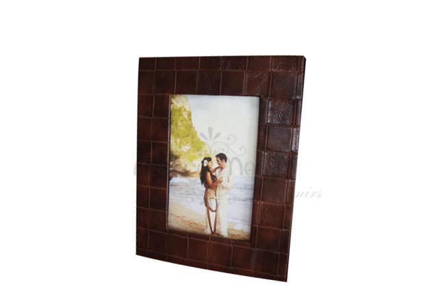 4R minimalist leather frame,marco mario souvenir, wedding souvenirs, souvenir pernikahan surabaya indonesia, wedding favors, souvenir ideas, royal wedding souvenirs